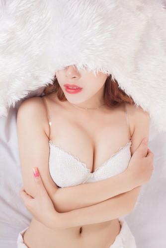 ダレノガレ明美 パンチラ 水着 手ブラ エロ画像c014.jpg