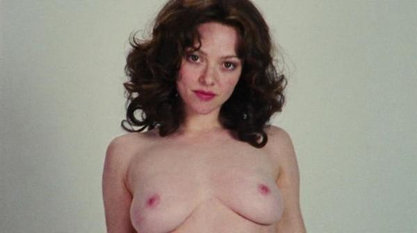 アマンダ・サイフリッド エロ画像60枚 盗撮や濡れ場ヌード040.jpg