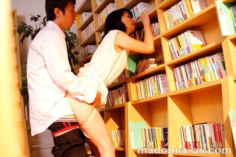 AV女優 安野由美 フェラ セックス エロ画像a025.jpg