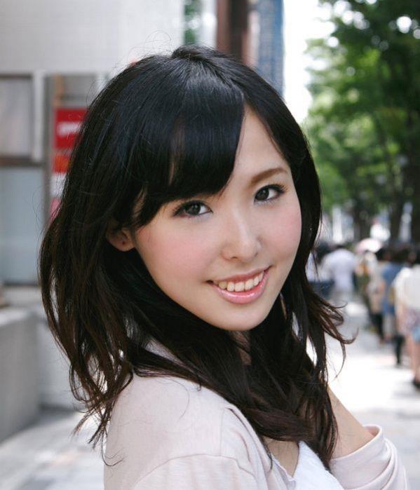 横山夏希 画像