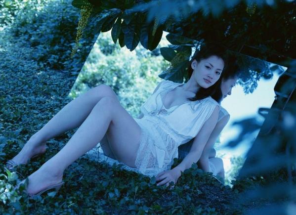 綾瀬はるか パンチラ 水着 下着 エロ画像a024.jpg