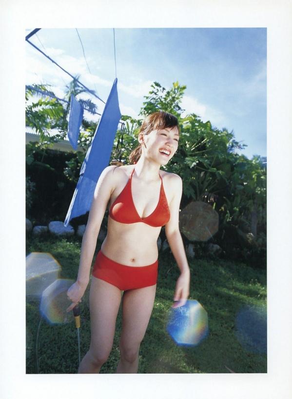綾瀬はるか パンチラ 水着 下着 エロ画像a036.jpg