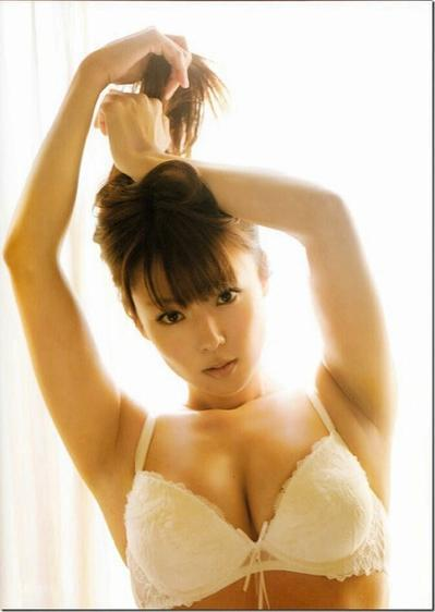 深田恭子 パンチラ 水着 下着 エロ画像a003.jpg