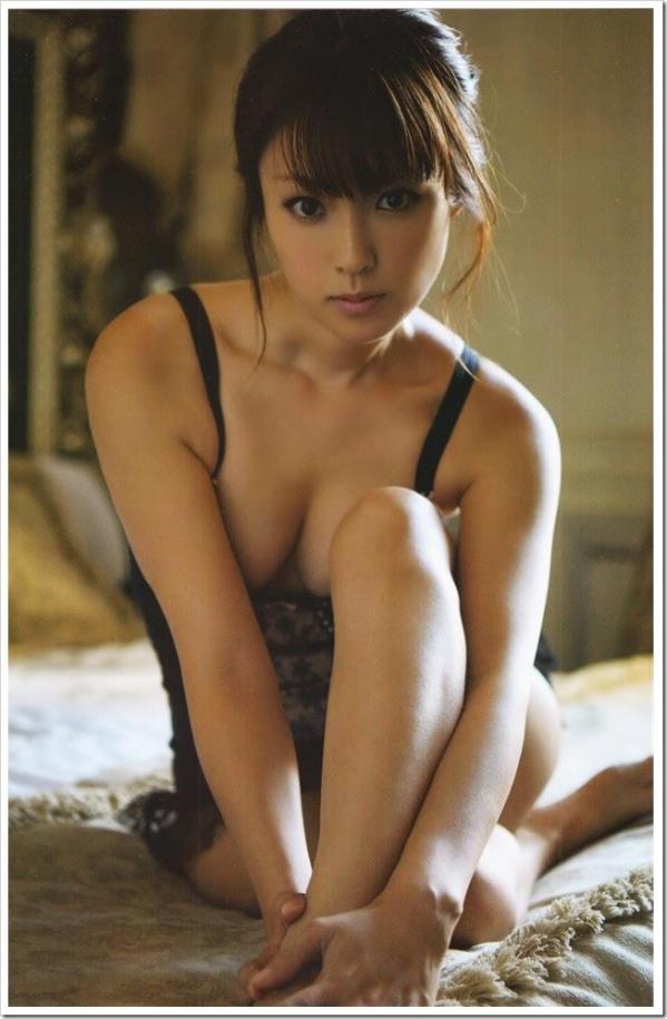 深田恭子 パンチラ 水着 下着 エロ画像a025.jpg