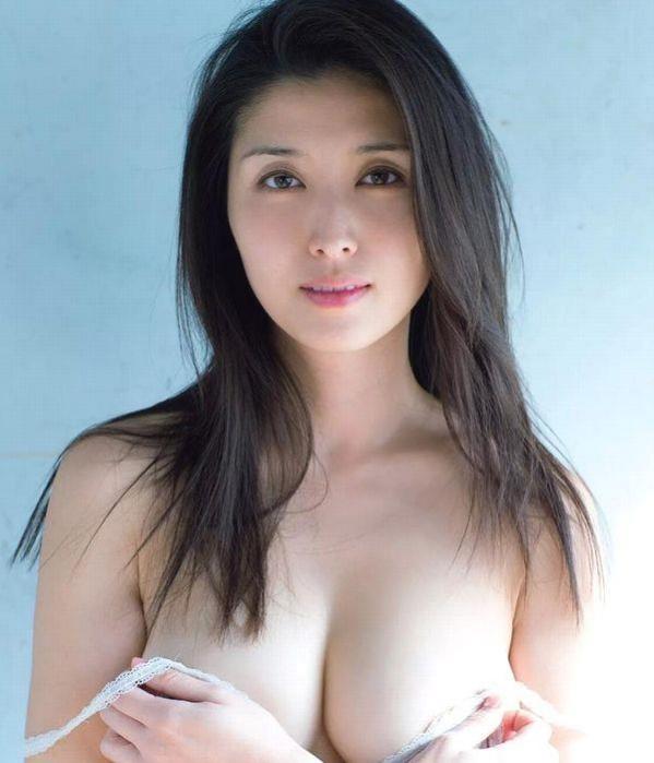 橋本マナミ|えろ過ぎ半尻下乳セミぬーど写真90枚