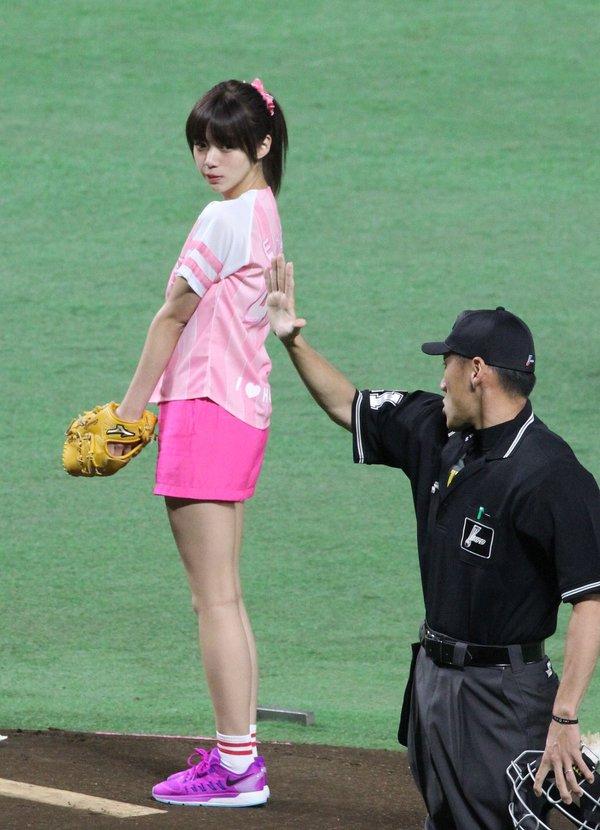 池田エライザ どエロな巨乳の水着姿と激カワ自撮り画像65枚a035.jpg