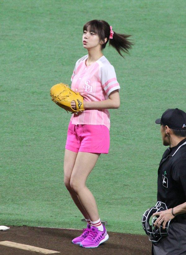 池田エライザ どエロな巨乳の水着姿と激カワ自撮り画像65枚a036.jpg