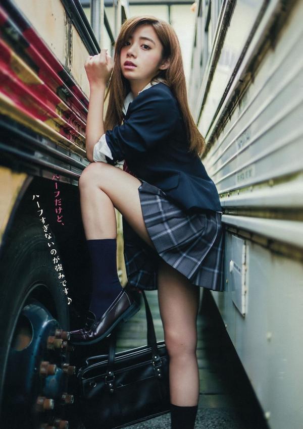 池田エライザ どエロな巨乳の水着姿と激カワ自撮り画像65枚b001.jpg