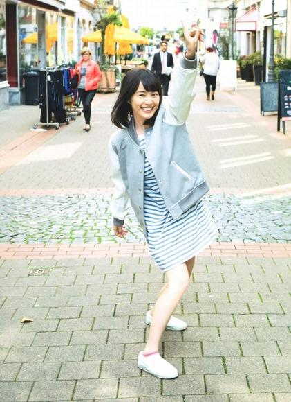乃木坂46 生田絵梨花の水着もある画像80枚 おっぱいエロ過ぎb016.jpg