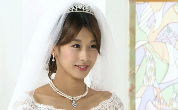 加藤綾子 女子アナ カトパン 水着 画像 アイコラb016a.jpg