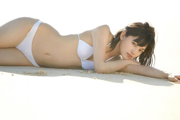 川口春奈 Aカップ美乳がキュートな水着や下着姿の画像65枚011.jpg