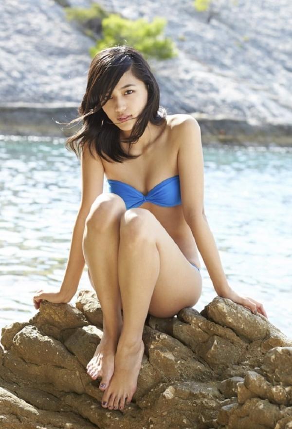 川口春奈 Aカップ美乳がキュートな水着や下着姿の画像65枚022.jpg