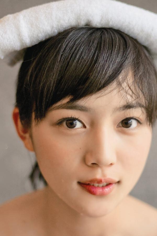 川口春奈 Aカップ美乳がキュートな水着や下着姿の画像65枚060.jpg