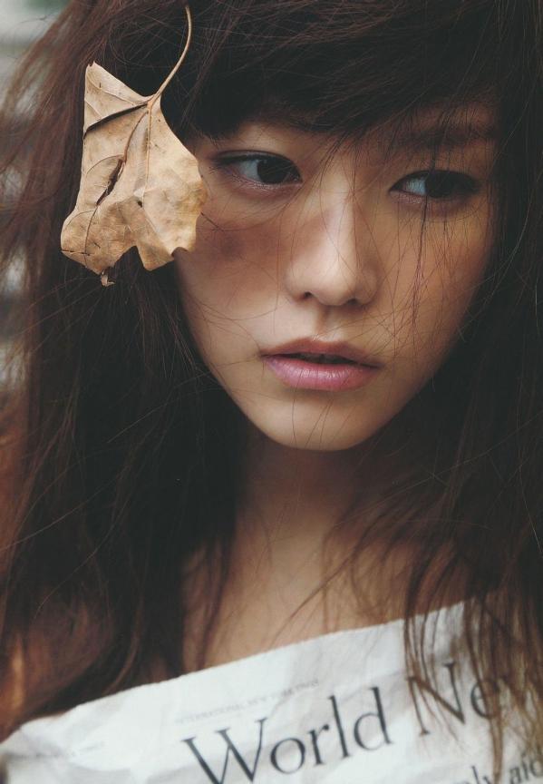 桐谷美玲 パンチラ 水着 下着 エロ画像a027.jpg