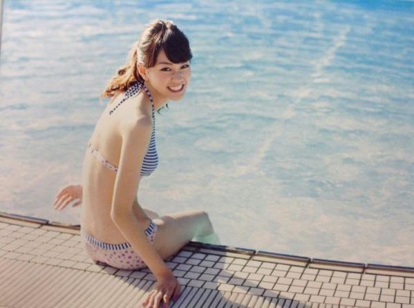 桐谷美玲 パンチラ 水着 下着 エロ画像a080.jpg