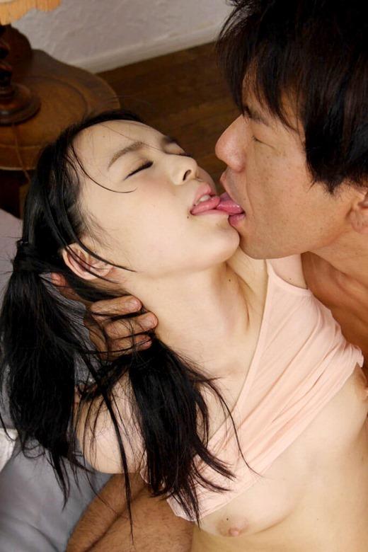 ディープキスのエロ画像 セックス中に舌を絡め合ってる濃厚キス画像a044.jpg