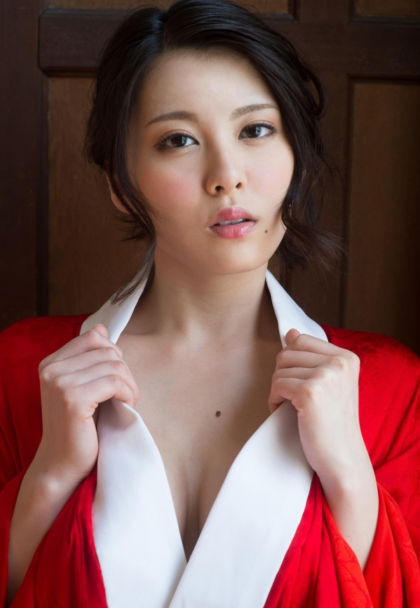 松岡ちな 小柄で美巨乳の美女ヌード画像125枚の046枚目