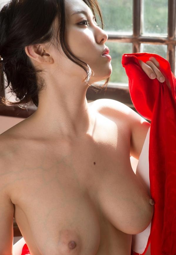 松岡ちな 小柄で美巨乳の美女ヌード画像125枚の053枚目