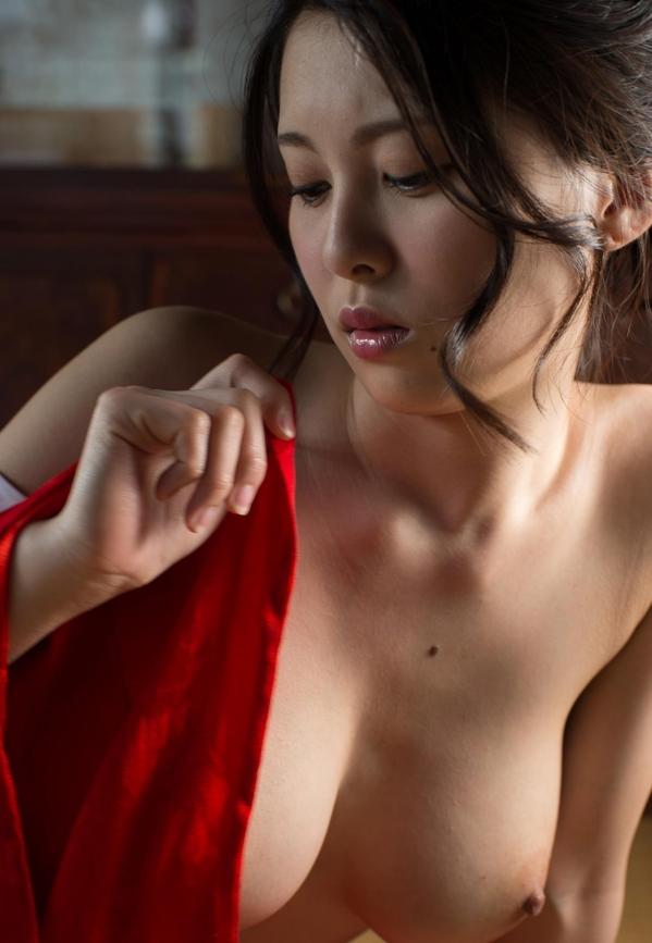 松岡ちな 小柄で美巨乳の美女ヌード画像125枚の058枚目