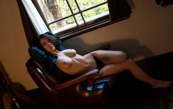 松岡ちな 小柄で美巨乳の美女ヌード画像125枚の066枚目