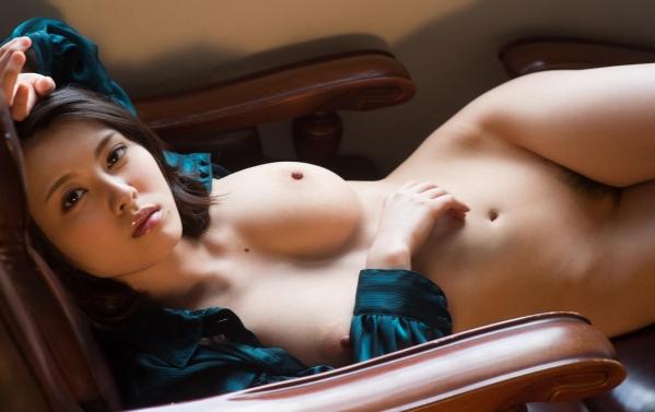 松岡ちな 小柄で美巨乳の美女ヌード画像125枚の075枚目