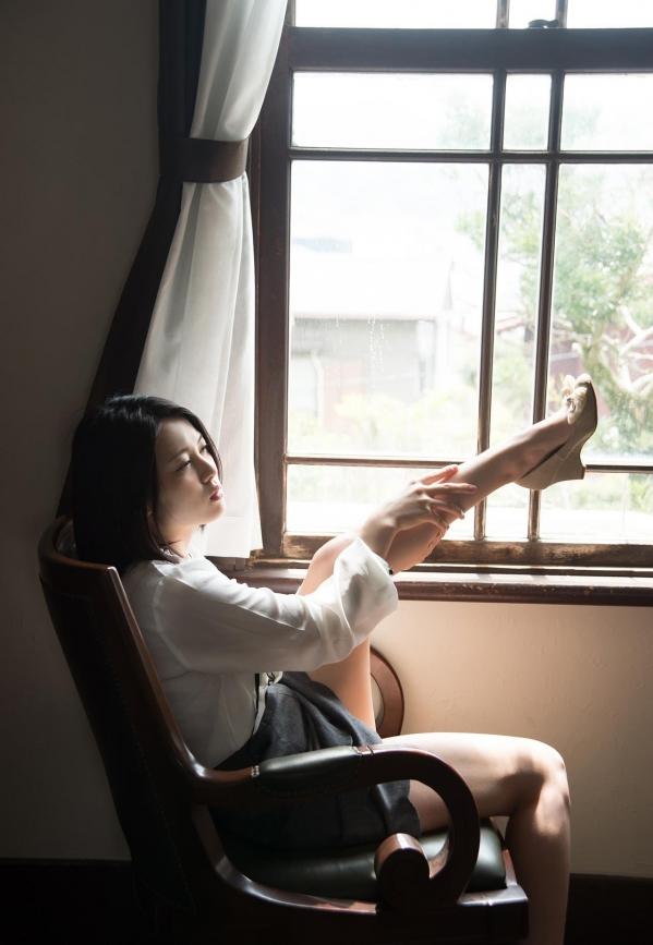 松岡ちな 小柄で美巨乳の美女ヌード画像125枚の101枚目