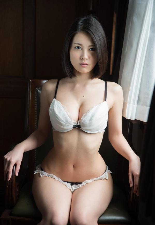 松岡ちな 小柄で美巨乳の美女ヌード画像125枚の108枚目