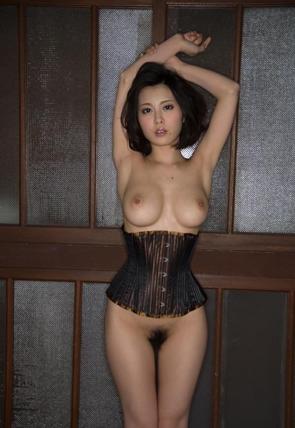 松岡ちな 小柄で美巨乳の美女ヌード画像125枚の115枚目