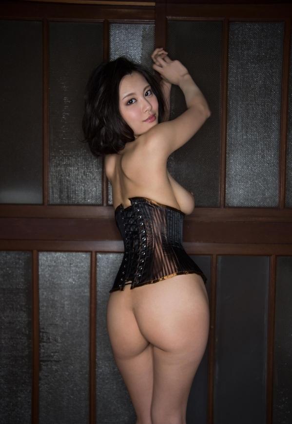 松岡ちな 小柄で美巨乳の美女ヌード画像125枚の116枚目
