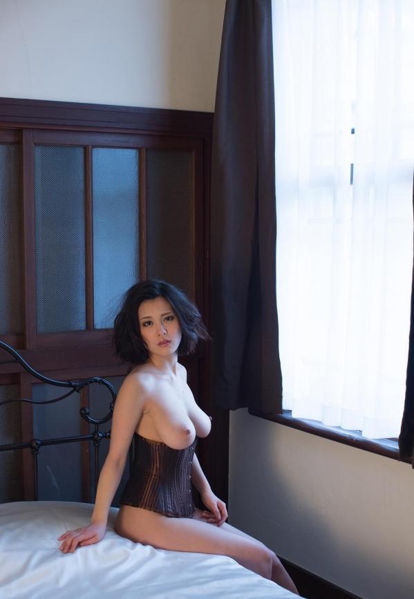 松岡ちな 小柄で美巨乳の美女ヌード画像125枚の117枚目