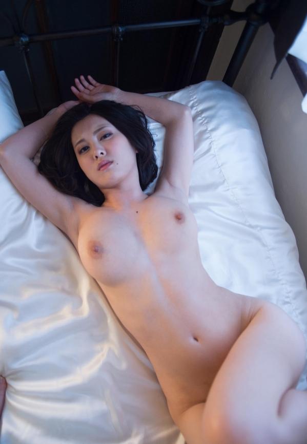 松岡ちな 小柄で美巨乳の美女ヌード画像125枚の124枚目