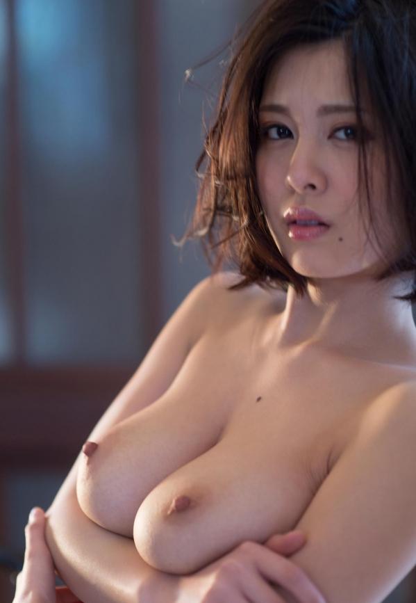 松岡ちな 小柄で美巨乳の美女ヌード画像125枚の126枚目