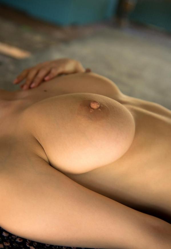 松岡ちな SODスター 美巨乳ヌード画像105枚のf002番