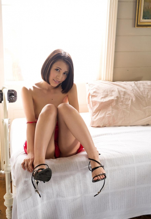 松岡ちな SODスター 美巨乳ヌード画像105枚のi006番