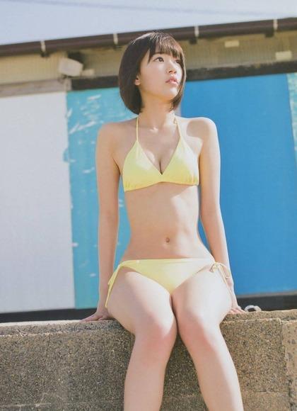 宮脇咲良 AKB48 HKT48 パンチラ 水着 下着 エロ画像b032.jpg