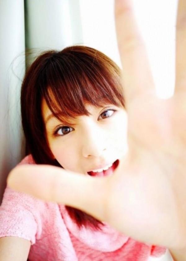 西内まりや 水着で見せるセクシーなBカップ美乳エロカワ画像a018.jpg