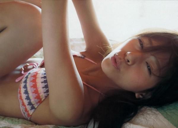 西内まりや 水着で見せるセクシーなBカップ美乳エロカワ画像a020.jpg