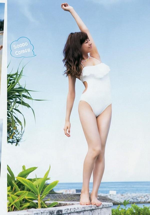 西内まりや 水着で見せるセクシーなBカップ美乳エロカワ画像a025.jpg