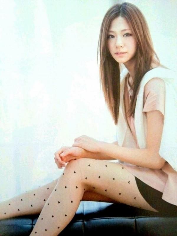 西内まりや 水着で見せるセクシーなBカップ美乳エロカワ画像a029.jpg