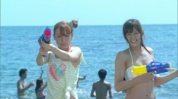 西内まりや 水着で見せるセクシーなBカップ美乳エロカワ画像b002.jpg