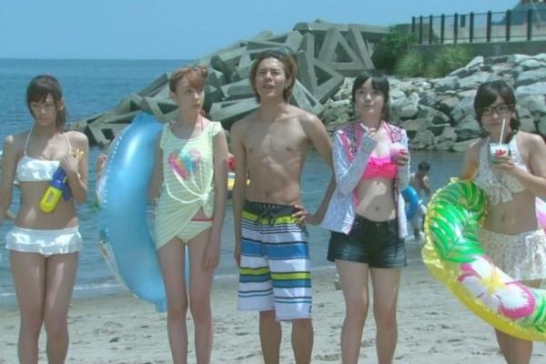 西内まりや 水着で見せるセクシーなBカップ美乳エロカワ画像b003.jpg