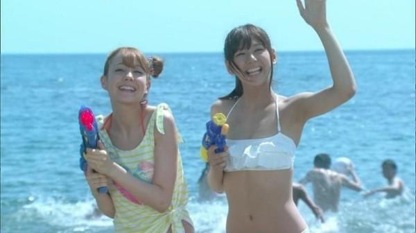 西内まりや 水着で見せるセクシーなBカップ美乳エロカワ画像b006.jpg