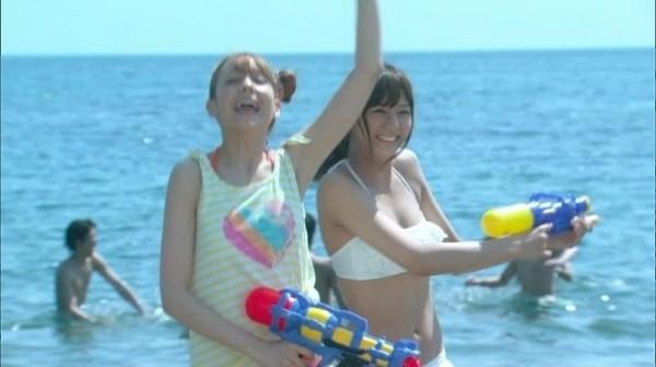 西内まりや 水着で見せるセクシーなBカップ美乳エロカワ画像b009.jpg