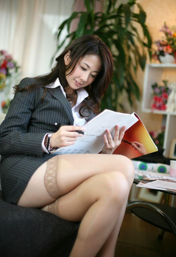 OL 制服 パンチラ フェラ クンニ セックス エロ画像a010.jpg