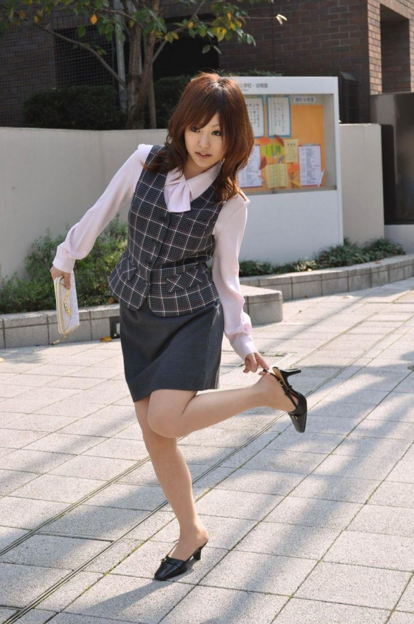 OL 制服 パンチラ フェラ クンニ セックス エロ画像a013.jpg