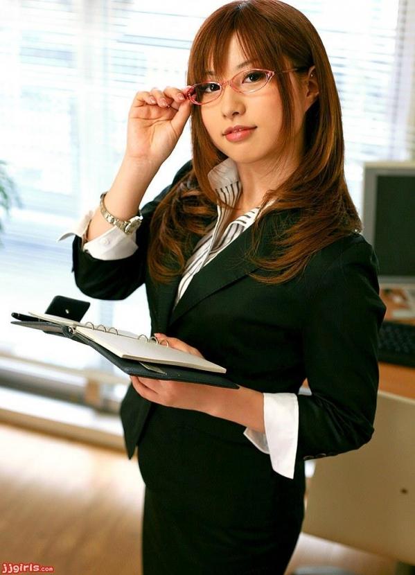 OL 制服 パンチラ フェラ クンニ セックス エロ画像b011.jpg