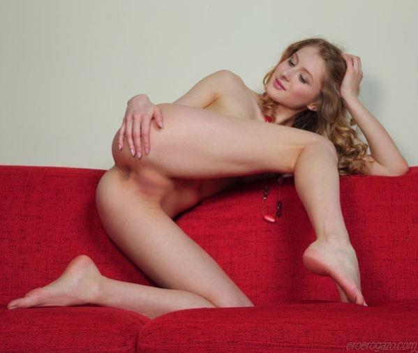 パイパンまんこが美しい外国人の全裸フルヌード画像74枚の1