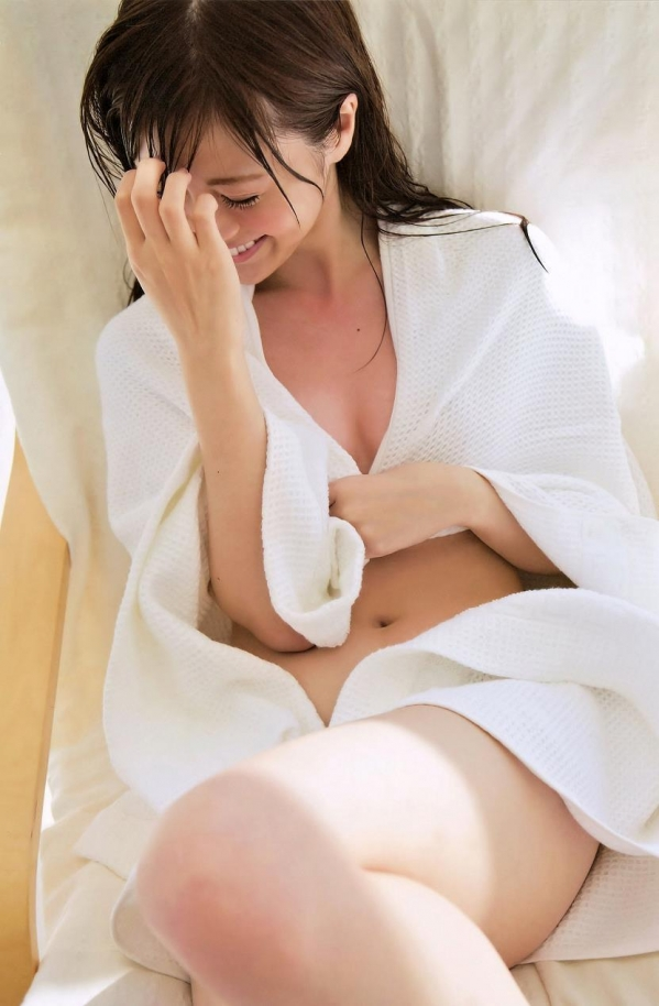 白石麻衣 水着姿が美しすぎるセクシー画像80枚のb011番