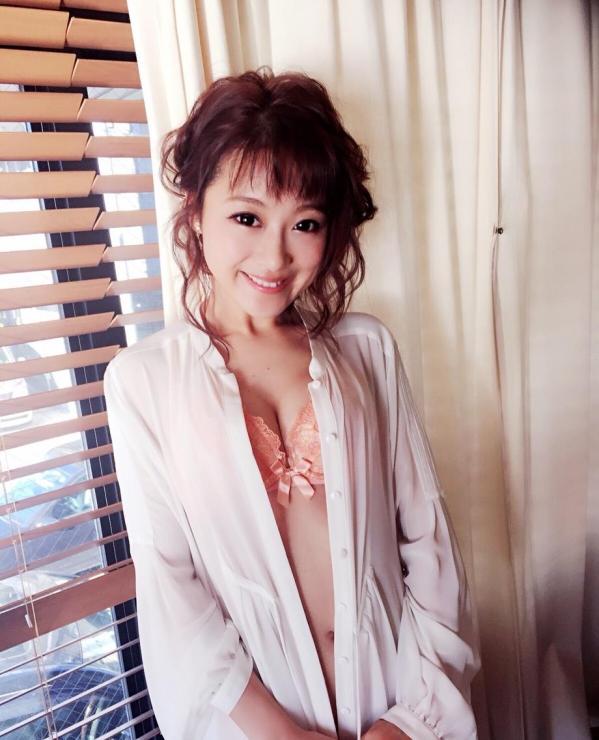鈴木奈々 セミヌードモデルの美貌!下着水着エロカワ画像60枚a15a.jpg