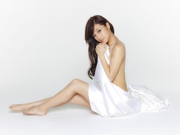 鈴木奈々 セミヌードモデルの美貌!下着水着エロカワ画像60枚a42a.jpg